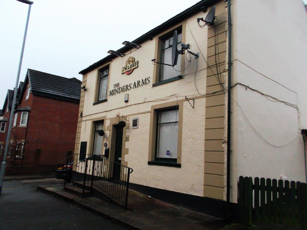 Minders Arms - Side